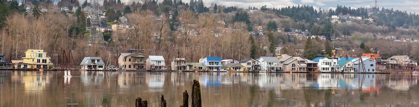Floating Houses on Willamette River